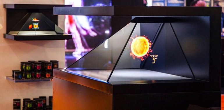 Dreamoc 3D holographic display